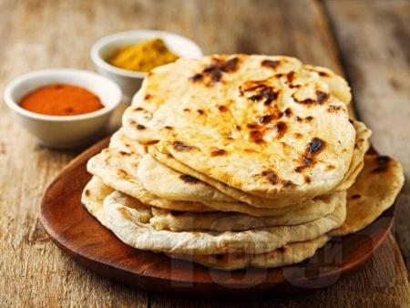 Индийски плосък хляб Наан - снимка на рецептата